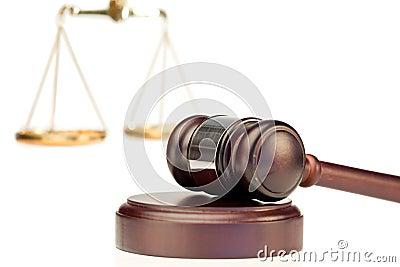 Gavel e escala de justiça