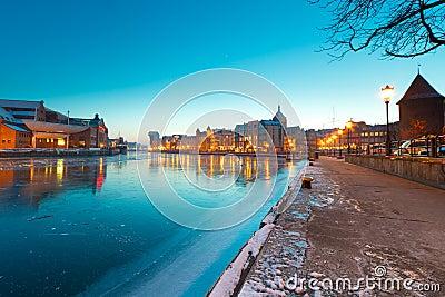 Gdansk no crepúsculo