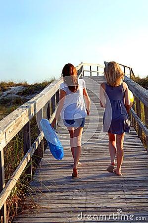 Gehen zum Strand