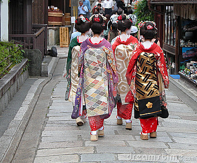 Geisha group kyoto street