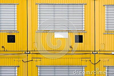 Gelber Behälter