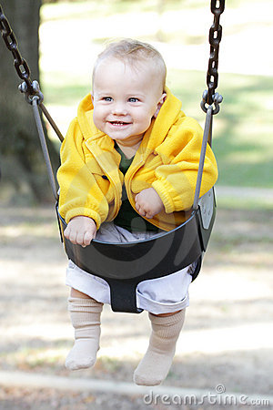 Gelukkige Baby op Schommeling