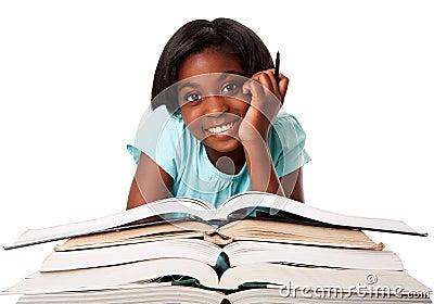 Gelukkige student met thuiswerk