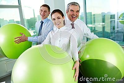 Gente con las bolas