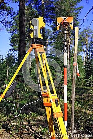 Geodetic instruments
