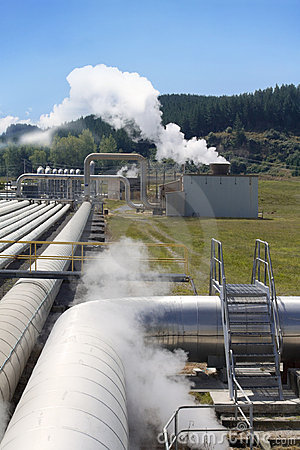 Free Geothermal Power Plant Pipes Perspective Royalty Free Stock Photos - 17717168