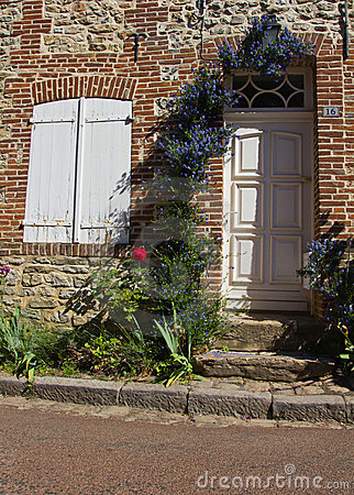 Gerberoy - old french village architecture 2