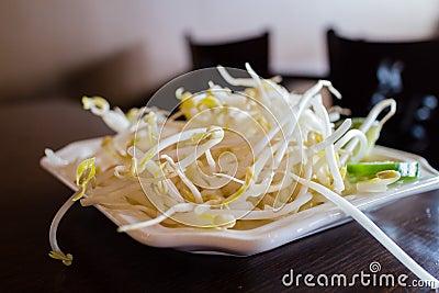 Germi di soia sul piatto