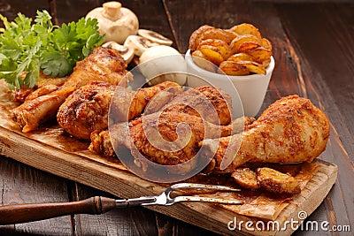 Geroosterde kippenbenen met chips stock foto afbeelding 85058551 - Ontwerp voorgerecht ...