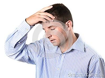 Geschäftsmann über bearbeiteten Kopfschmerzen