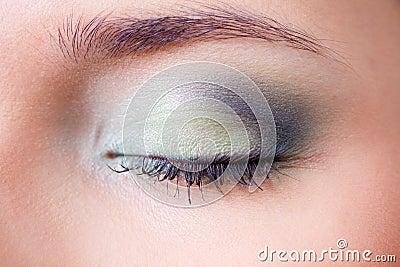Geschlossenes Auge