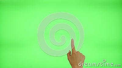 17 gestos de la pantalla táctil - mano femenina, en una pantalla verde almacen de video