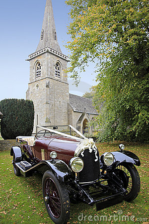 Getting married wedding church and vintage car uk