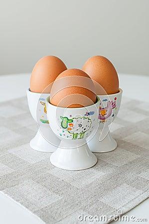 Ägg kuper in