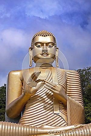Free Giant Gold Bhudda Stock Photo - 67683660
