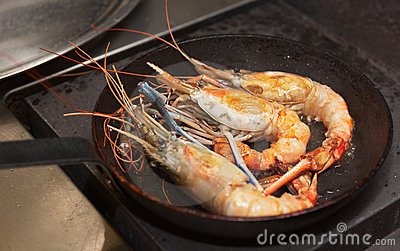 Giant prawns on hot pan