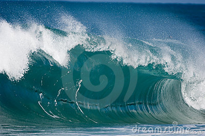 Giant surf waves at Oahu