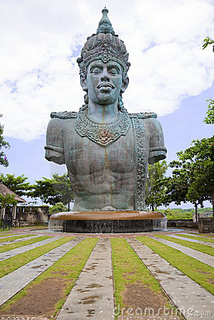 Free Giant Vishnu Statue At Bali, Indonesia Royalty Free Stock Photography - 14284887