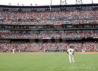 Giants stand around during homerun trot Editorial Photography