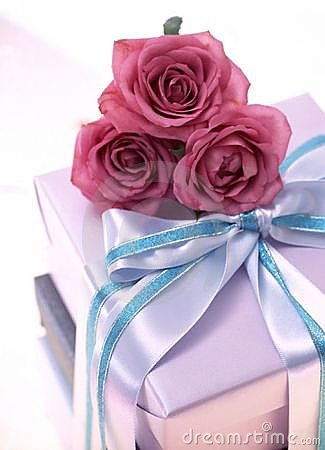 Free Gift Box Royalty Free Stock Images - 107639