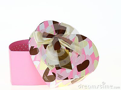 Gift heart pink box