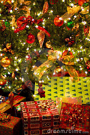 Free Gifts Under Christmas Tree Stock Images - 3235364