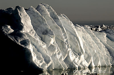 Gigantic ice ripples