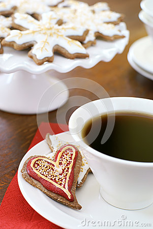 Gingerbread cookies and coffee