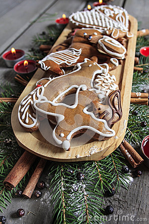 Gingerbread cookies on wooden tray