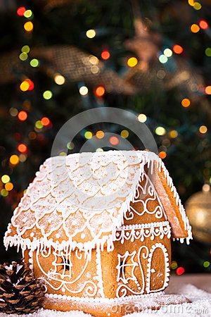 Free Gingerbread House Stock Photo - 34811910