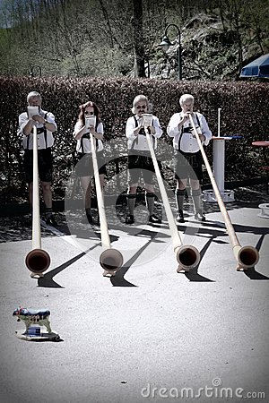 Giocatori di Alphorn in Germania Fotografia Stock Editoriale