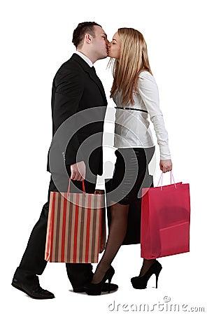 Giovane baciare delle coppie