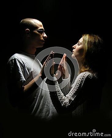 Giovani coppie degli anni dell adolescenza
