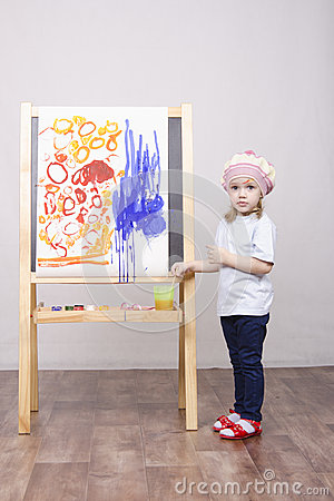 Free Girl Artist Paints On Canvas Royalty Free Stock Image - 37786656