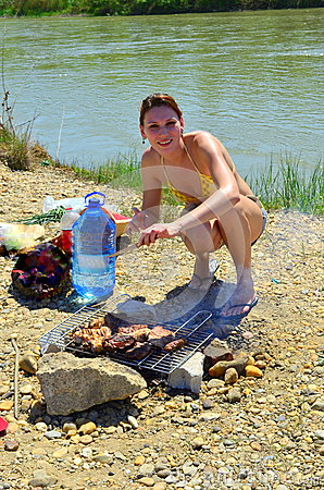 Free Girl At Barbecue Royalty Free Stock Photos - 24592638