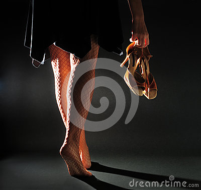 Free Girl Carry Latin Sandal Royalty Free Stock Image - 28852586