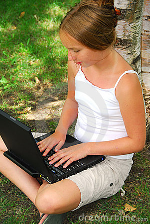 Free Girl Computer Stock Images - 1394804