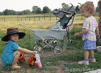 Girl in a cow-boy hat and curly boy (2)
