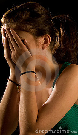 Free Girl Crying Royalty Free Stock Photos - 9964638