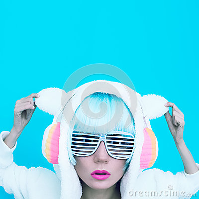 Free Girl DJ. Crazy Winter Party. Club Dance Style Stock Images - 48619114