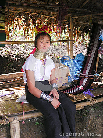 Free Girl From Long Neck Karen Tribe Village Thailand With Handcrafts Royalty Free Stock Photography - 79553757