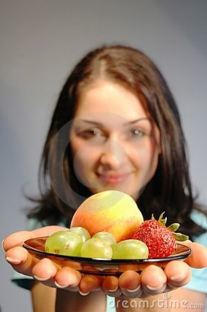 Girl with fruits3