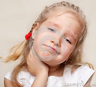 Girl has a sore throat