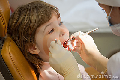Girl have periodic survey tooth in medical office