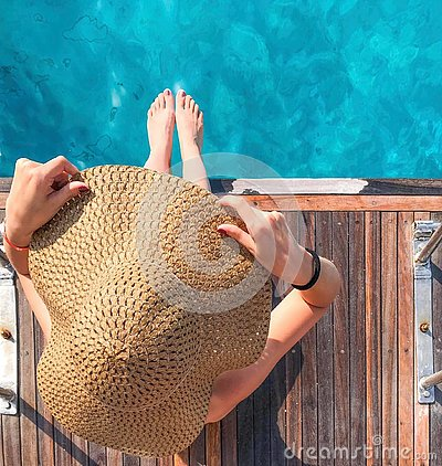 Free Girl In A Hat On A Yacht Stock Images - 130338814