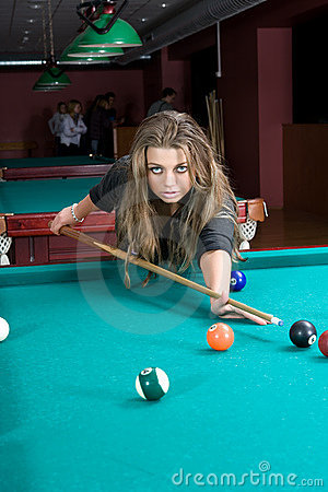 Free Girl In Short Skirt Playing Snooker Royalty Free Stock Image - 5128756