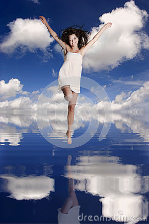 Free Girl Jumping Over The Water Royalty Free Stock Images - 25804269