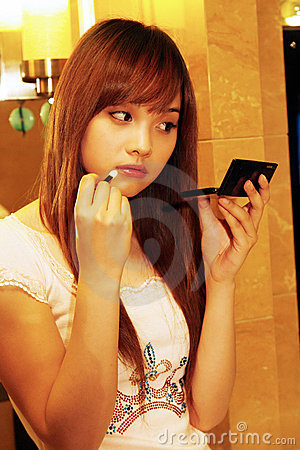 Girl during the making up.