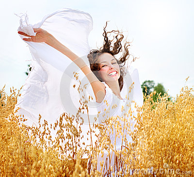 Free Girl On The Wheat Field Royalty Free Stock Photography - 25970207