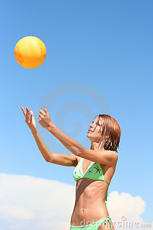Free Girl Playing Volley-ball Stock Image - 8958231